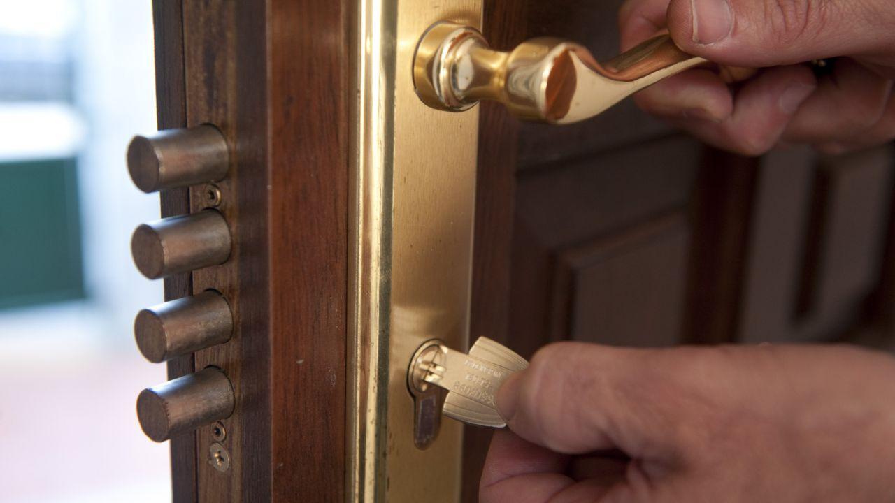 ¿Por qué en cerrajería no se deben ignorar los problemas de cerraduras desalineadas?