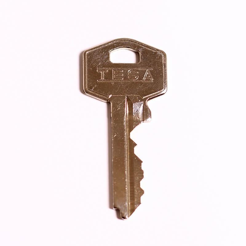 Conoce la historia de la máquina duplicadora de llaves
